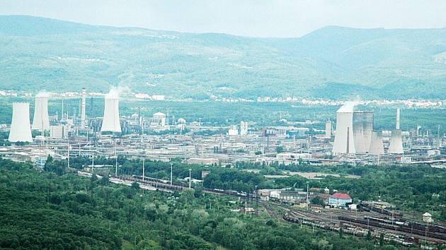 Chemička mezi Litvínovem a Mostem