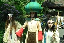 Akce Kostel na kolečkách s jarmarkem na zahradě Oblasního muzea v Mostě.