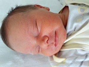Adéla Gežíková se narodila mamince Kamile Kovářové ze Staňkovic 20. března 2018 v 11.45 hodin. Měřila 50 cm a vážila 3,51 kilogramu.
