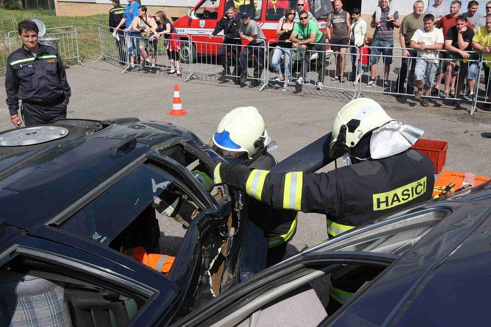 Hasiči z Mostecka soutěžili o putovní pohár ředitelky