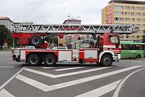 Nehoda na křižovatce ulic Budovatelů, J. Průchy a F. Halase v Mostě. Čtvrtek 19. srpna