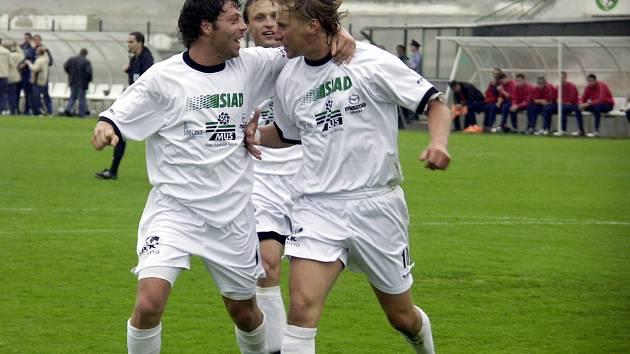 Před 16 lety slavili fotbalisté Mostu postup mezi elitu.