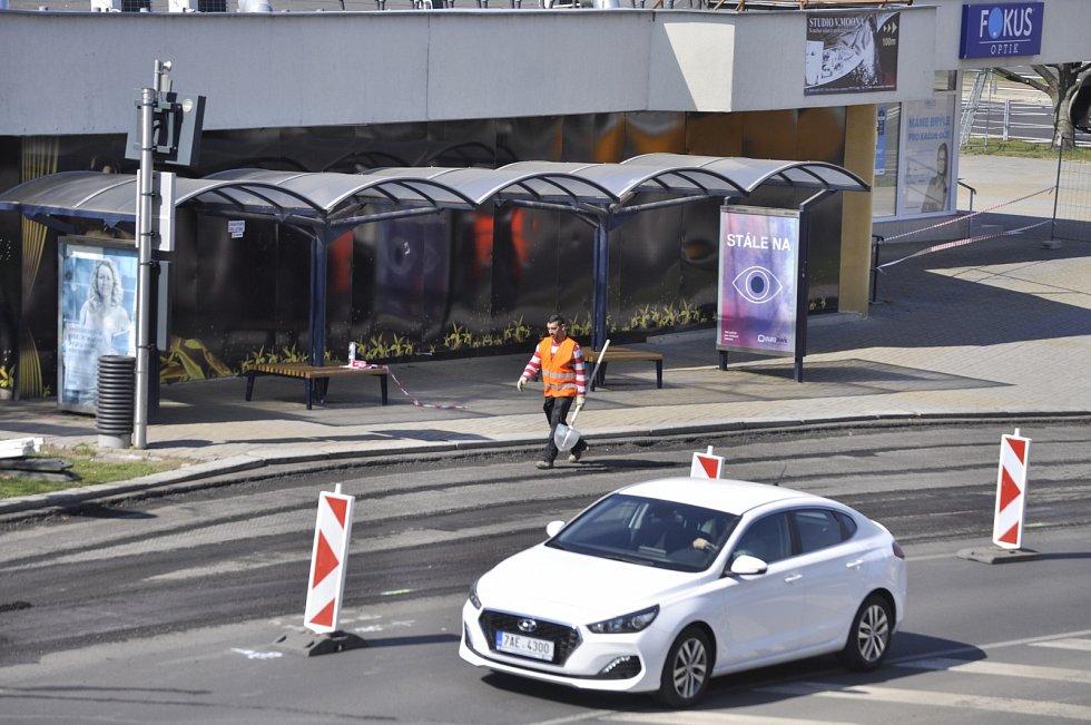 U Prioru v Mostě začala rekonstrukce uzlové autobusové zastávky
