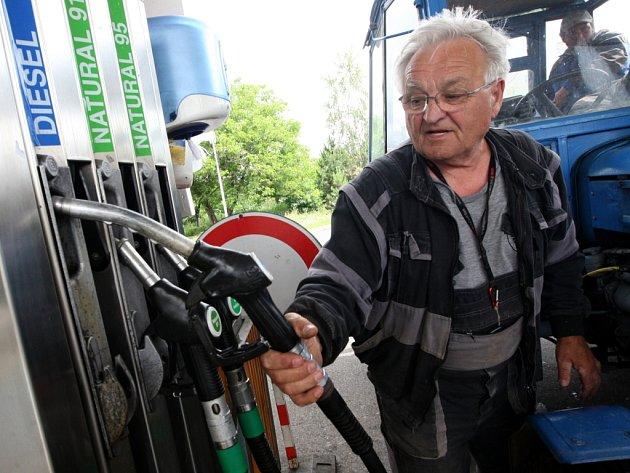 Benzínka v Havrani na Mostecku.