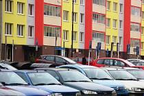 Mostecké sídliště Liščí Vrch to jsou hlavně paneláky a plná parkoviště.
