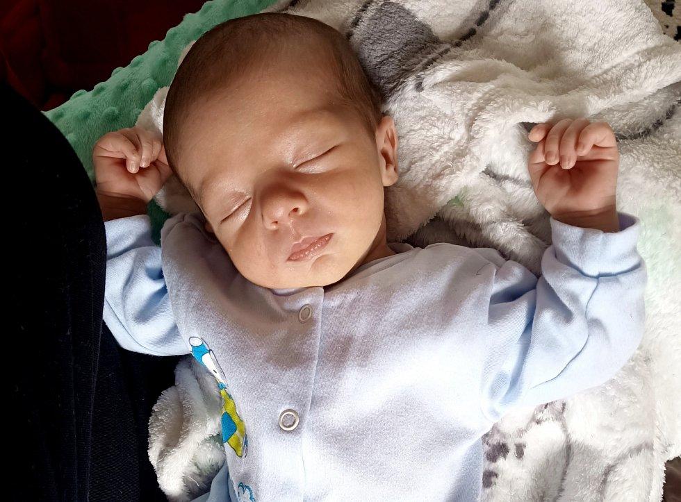 Michael Horáček se narodil 2. května ve 13.52 hodin mamince Anetě Horáčkové. Měřil 48 cm a vážil 3,05 kg.