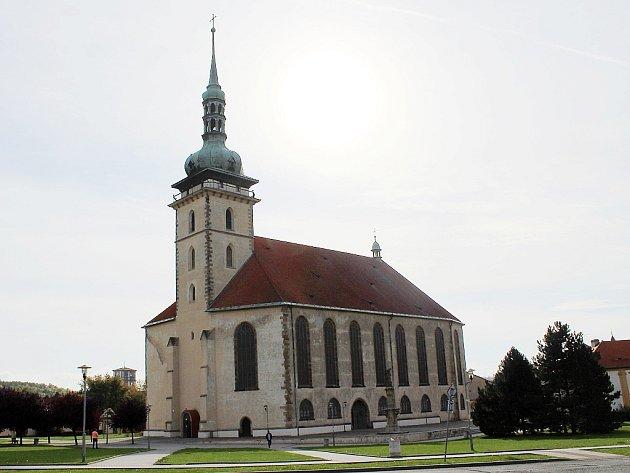 Přesunutý kostel Nanebevzetí Panny Marie vMostě
