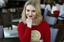 Studentka Markéta Zagrapanová z Mostu překonala již dvakrát rakovinu. Teď se snaží svou zkušenost využít pro osvětu a pomoc druhým.