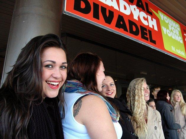 Divadelní festival Young For Young v Mostě.