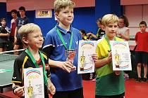 Zleva stolní tenisté Čmerda Tomáš, Čmerda Ondřej, Šťovíček Richard.