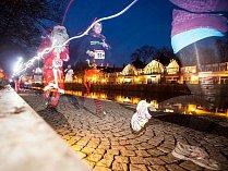 Běh santů se konal v minulých letech například v Hradci Králové. Archivní foto