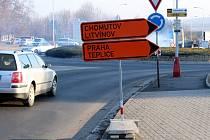 1. března se v Mostě uzavřela silnice na výjezdu a vjezdu u muzea.