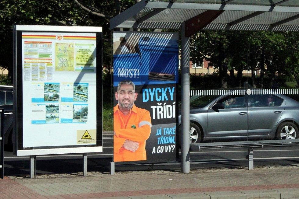 Dycky Most! Navštivte s námi místa, kde se točil známý komediální seriál. Popelář Franta, tvář kampaně třídění odpadu ve městě.
