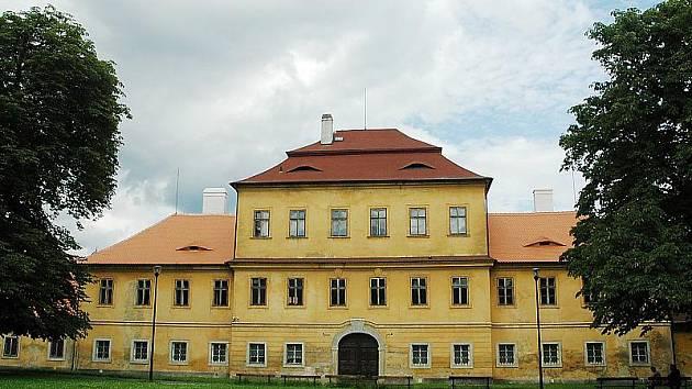 Kvůli neschválení úvěru nebude možná na rekonstrukci Valdštejnského zámku.