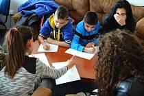 Děti z janovské základní školy navštívily redakci Mosteckého deníku.