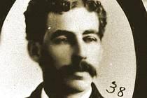 Masový vrah H. H. Holmes na dobové fotografii.