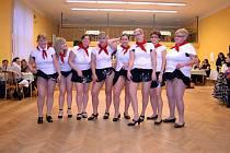 Ženy v Louce jsou šik, umí bavit nejen sebe, ale i okolí a nezkazí žádnou legraci. Oslava Mezinárodního dne žen je díky tomu v Louce u Litvínova každoročně trochu víc, než jen svátek.