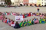 Mexičan Jesús Reyes a studenti na výměnném pobytu v ČR.
