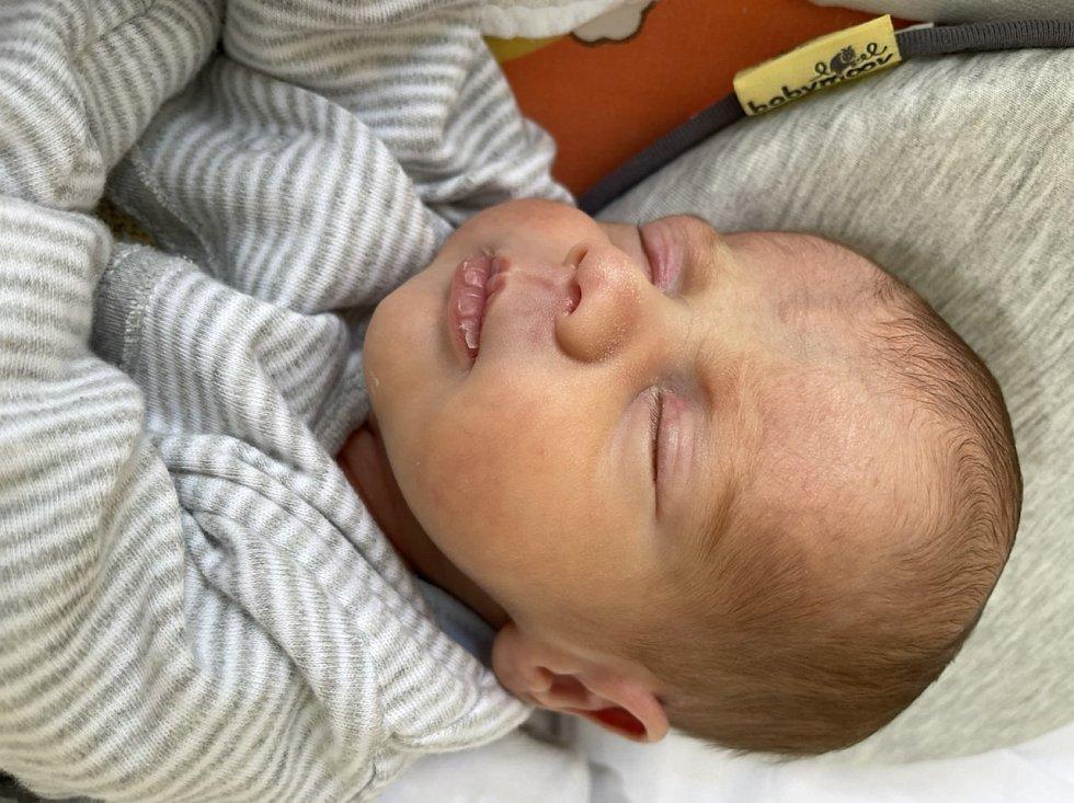 Ondřej Husák se narodil mamince Janě Husákové z Mostu 28. března ve 13.40 hodin. Měřil 41 cm a vážil 2,08 kilogramu.
