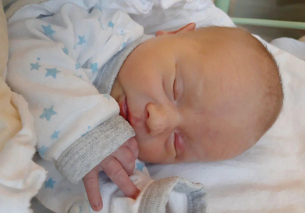 Jakub Roháč se narodil mamince Marii Nedvídkové z Vroutku 2. prosince 2020 v 16.35. Měřil 46 cm a vážil 2,38 kilogramu.