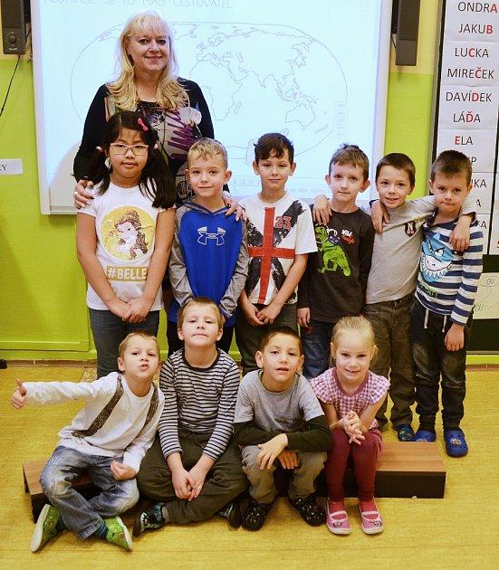 Žáci 1.AZákladní školy Braňany střídní učitelkou Jitkou Švejdovou