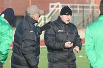 Trenéři mosteckého Baníku zleva Pavel Chaloupka a Stanislav Hofmann.