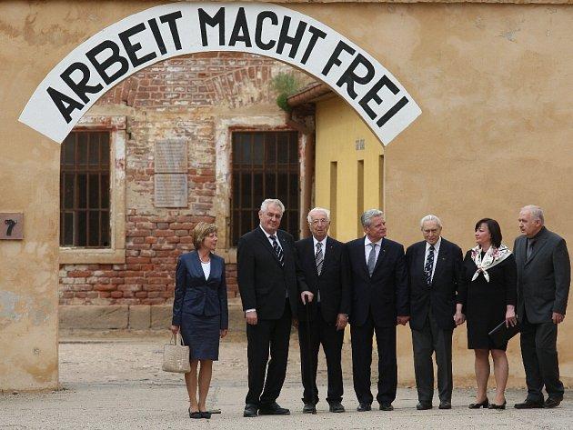 Terezín během státní návštěvy prezidentů Miloše Zemana a Joachima Gaucka.