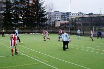 Borci FC Brüx zápasí s týmem proOFFICE.