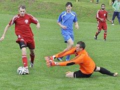 Obrnický brankář má plné ruce práce v posledním zápase s Postoloprty, kdy jeho tým prohrál 2:3. Byla to první porážka v nové sezoně. Teď se Obrničtí představí ve Strupčicích.