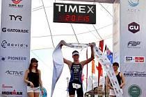 Jakub Langhammer v cílí závodu na Filipínách.