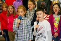 Zazpívat si mohou přijít také děti.