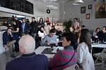 Veřejná kulturní iniciativa Most uspořádala happening o Budovatelce. Zrušenou komentovanou jízdu v tramvaji nahradila komentovanou virtuální jízdou v The Most Café.