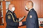 Předání medailí Za věrnost mosteckým hasičům
