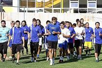 Divizní fotbalisté FK Litvínov vybíhají k letní přípravě před novou sezónou. Mužstvo trenéra Roberta Žáka čeká několik přípravných zápasů.