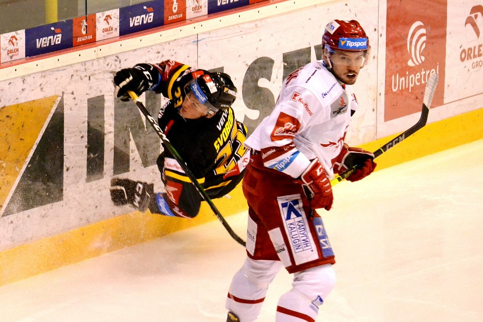 Litvínov v domácím duelu s Třincem.