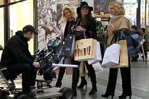 KIna uvádějí nový český film Ženská pomsta.