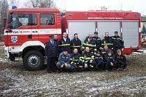 Obrničtí dobrovolní hasiči.