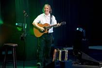 V sobotu přijede do Litvínova na Loučky zahrát a zazpívat Jarek Nohavica.