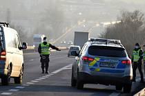 Policejní kontroly na hranicích okresu Most.