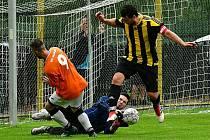 Derby mezi domácím Meziboří (v oranžovém) a Obrnicemi.