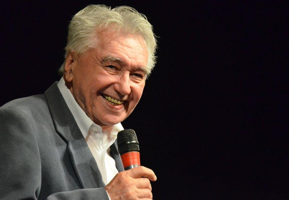 Josef Zíma po představení Princezna ze zlatou hvězdou na čele.