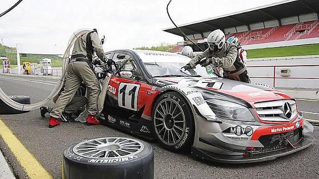 Diváci se mají o víkendu na autodromu v Mostě opět na co těšit. Pojede se tady i oblíbený závod Octavií nebo závody formulí z Divize 3.