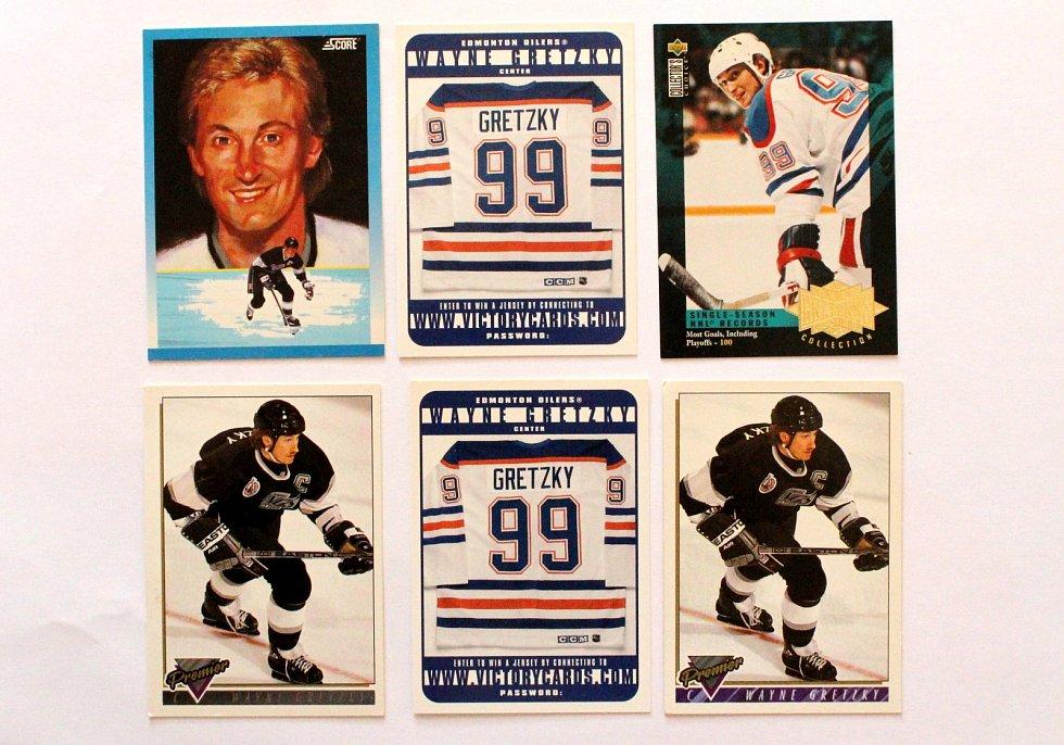 Sportovní kartičky se vrací. Vyráběly se, stále vyrábí a sbírají i u nás. Hokejové kartičky s Waynem Gretzkym.