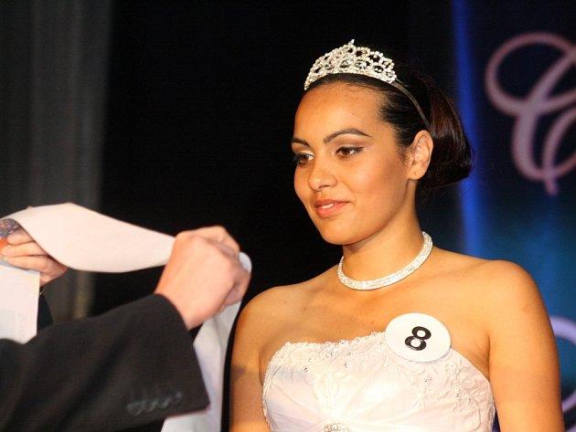 Soutěž Česko-Slovenská Miss Roma 2012. Miss sympatie Dominika Bubenčíková z Rožňavy.