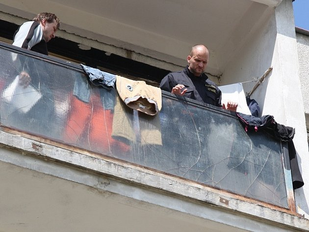 Čtyřletý chlapeček vypadl v Chanově ze sedmého patra.