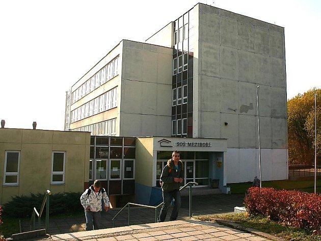 Škola v Meziboří.