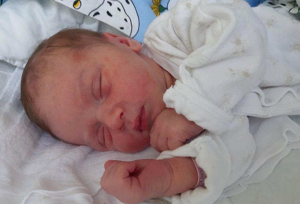 Lukáš Miksa se narodil mamince Apoleně Jackowské z Mostu 27. prosince 2020 ve 22.20. Měřil 52 cm a vážil 4,35 kilogramu.
