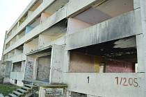 Blok 1 v Chánově se zbourá s pomocí státu.