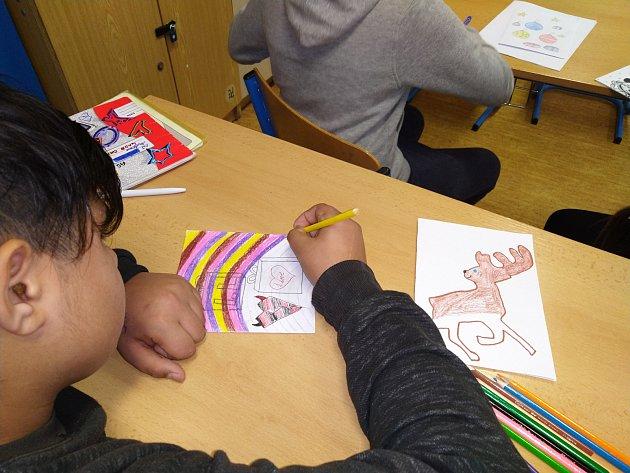 Žáci zjanovské školy připravili dárečky pro děti vústecké nemocnici
