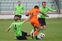 Před Pardubicemi hráli baníkovci (v zeleném) přípravný zápas proti katarskému týmu. Skončil nerozhodně 1:1.